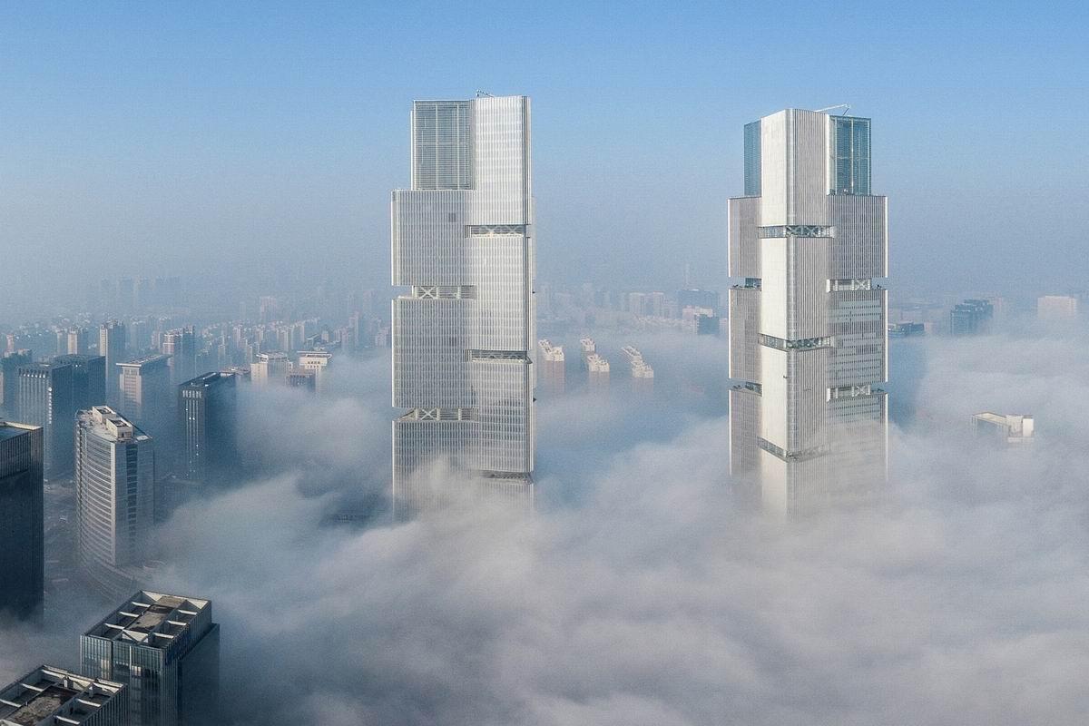 郑州郑东绿地中心双塔落成 / gmp architects